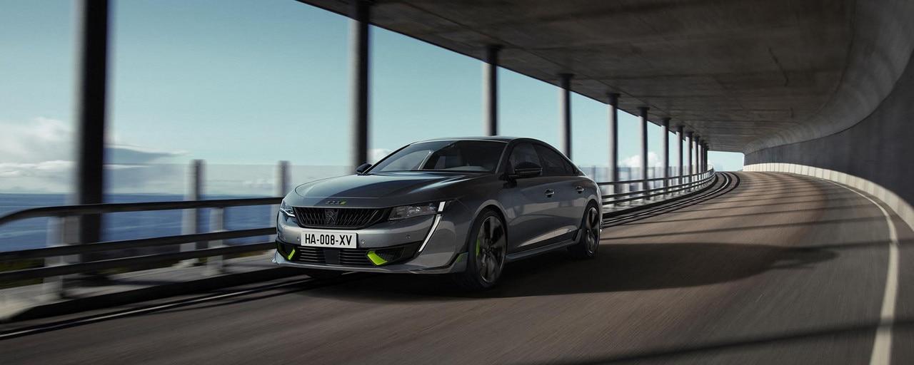 Nouvelle berline hybride haute-performance 508 PEUGEOT SPORT ENGINEERED