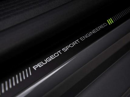 Nouvelle 508 PEUGEOT SPORT ENGINEERED : seuil de porte siglées