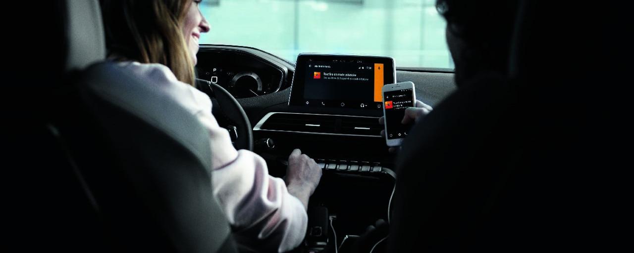 Fonction Mirror Screen - Nouveau SUV PEUGEOT 5008 GT