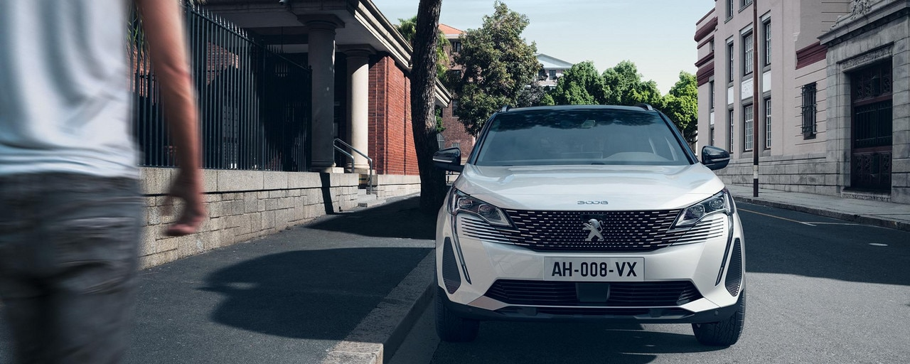 Nouveau SUV PEUGEOT 3008 HYBRID – Nouvelle face avant