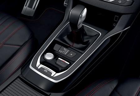 Peugeot 308 gt line demandez un essai for Interieur 308 gt line