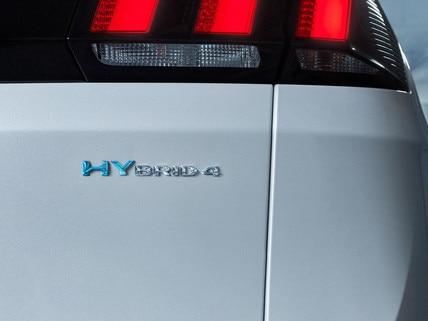 PEUGEOT 3008 HYBRID4: badges spécifiques dichroïques