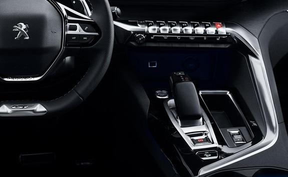 PEUGEOT 3008 HYBRID4: Un i-Cockpit® adapté à la conduite en hybride rechargeable