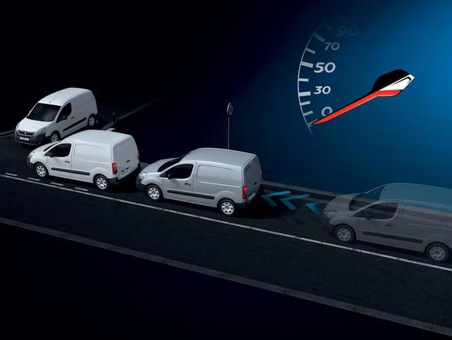 PEUGEOT Partner : Freinage Automatique Urbain sur Risque de Collision