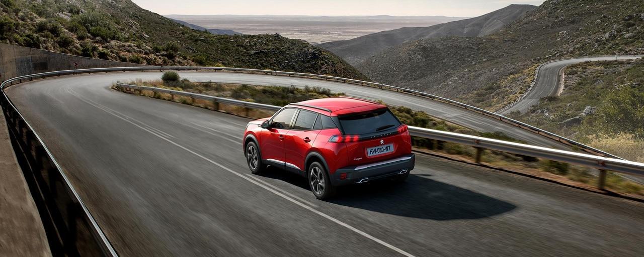 Nouveau SUV PEUGEOT 2008 : le SUV compact, dynamique et efficient pour les professionnels.