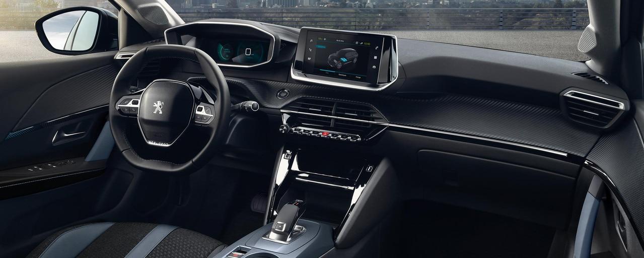 Nouveau SUV électrique PEUGEOT e-2008 pour les professionnels : nouveau poste de conduite PEUGEOT i-Cockpit® 3D