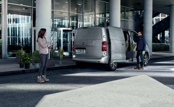 PEUGEOT EXPERT – Version Compact de 4,60 m de long