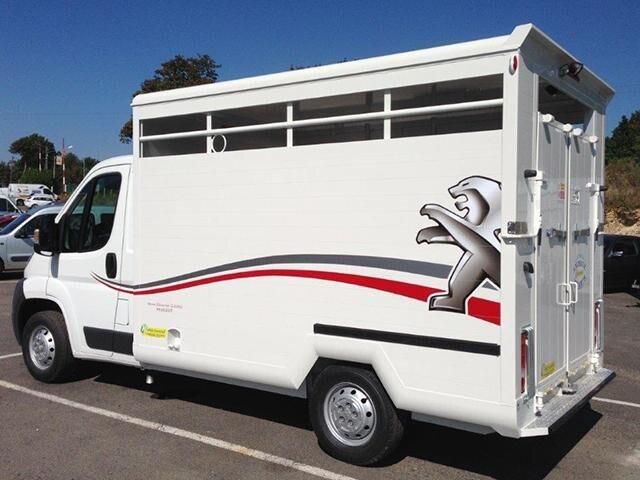/image/92/4/peugeot-vans-chevaux-1.249924.jpg